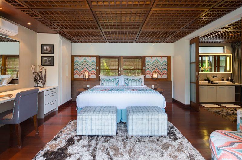 Windu Villas Villa Windu Sari Bedroom with Study Table | Petitenget, Bali