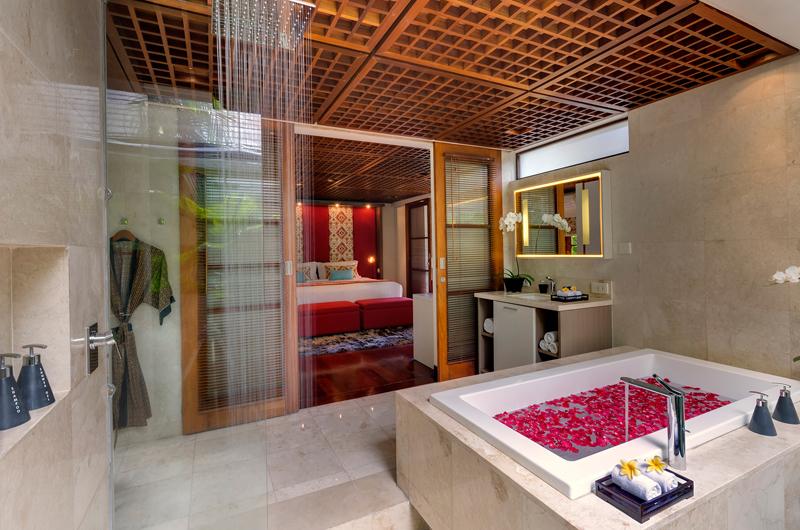 Windu Villas Villa Windu Sari Bedroom and En-suite Bathroom | Petitenget, Bali