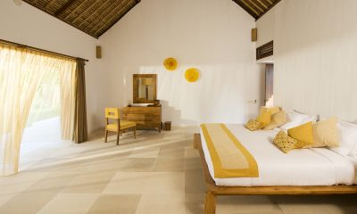 Villa Sepoi Sepoi Bedroom with Dressing Table | Lombok, Indonesia