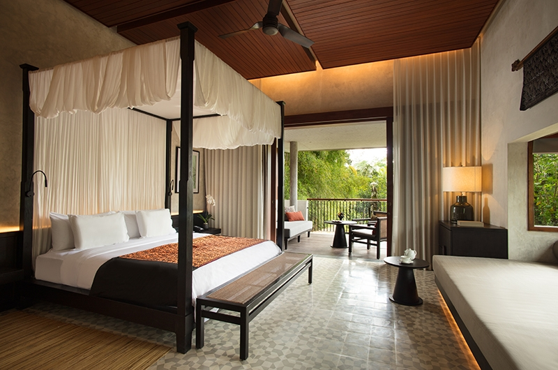Alila Ubud Villas Terrace Tree Villa Bedroom with Lamp | Ubud, Bali