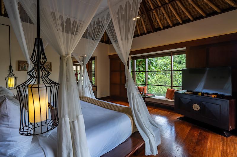 Hanging Gardens of Bali Bedroom with Lamps   Ubud, Bali