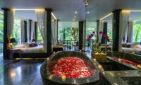 Hanging Gardens of Bali Spa Suite Bathtub Area   Ubud, Bali