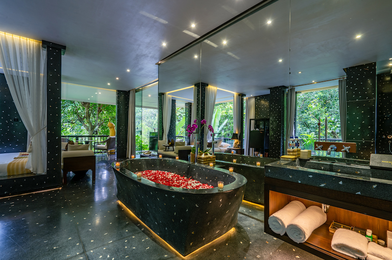 Hanging Gardens of Bali Spa Suite Bathtub   Ubud, Bali