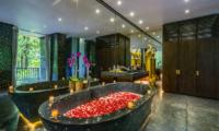 Hanging Gardens of Bali Spa Suite Bathroom   Ubud, Bali