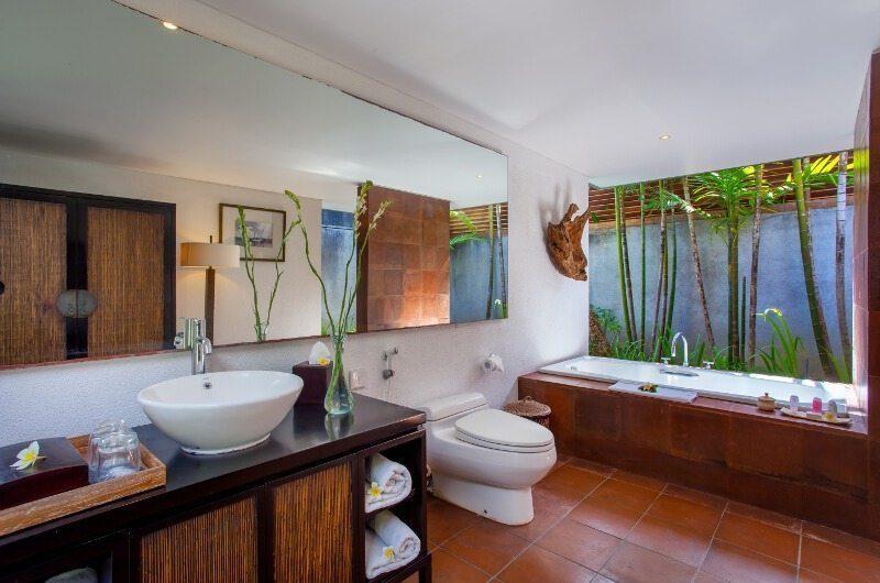 Mayaloka Villas Bathroom | Petitanget, Bali