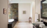 The Kunja Bathroom with Bathtub | Seminyak, Bali
