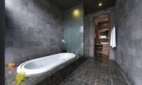 The Seiryu Villas En-suite Bathroom   Seminyak, Bali