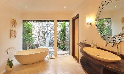 Villa Kubu 1BR Bathroom   Seminyak, Bali