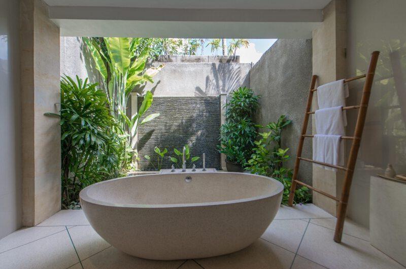 Villa Zanissa Villa Nissa Bathtub | Seminyak, Bali