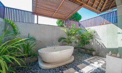 Villa Zanissa Villa Zack Master Bathroom   Seminyak, Bali