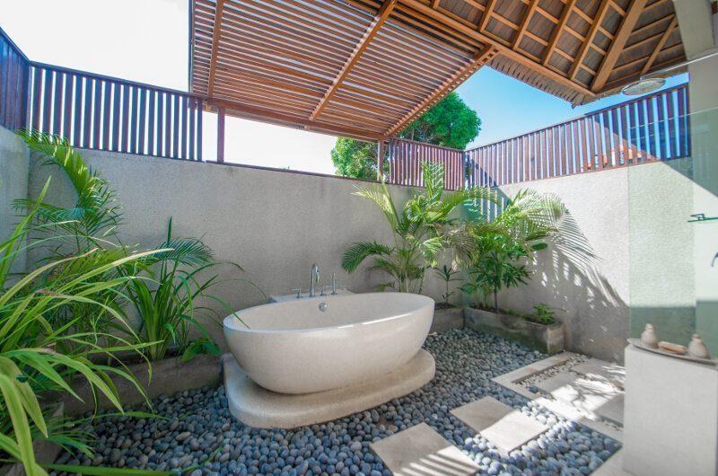 Villa Zanissa Villa Zack Master Bathroom | Seminyak, Bali