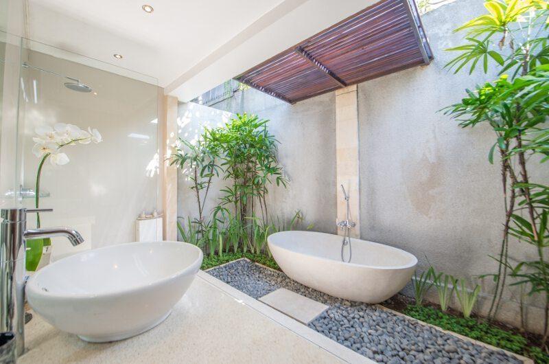 Villa Zanissa Villa Zack Bathtub | Seminyak, Bali