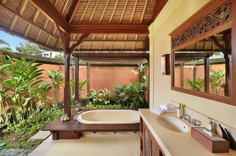 Impiana Cemagi Garden Villa Bathtub | Seseh, Bali