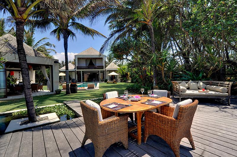 Majapahit Beach Villas Maya Outdoor Dining Table | Sanur, Bali