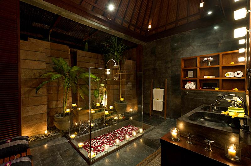 Majapahit Beach Villas Maya Sunken Bathtub | Sanur, Bali
