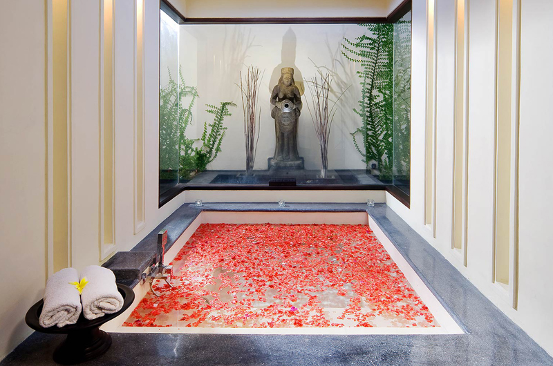The Ylang Ylang Romantic Bathtub Set Up | Gianyar, Bali