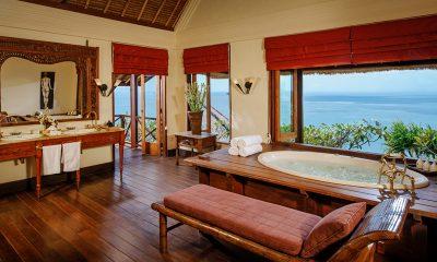 Villa Bayuh Sabbha Ocean View Bathroom | Uluwatu, Bali