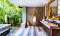 Villa Hansa Spacious Bathroom with Bathtub   Canggu, Bali