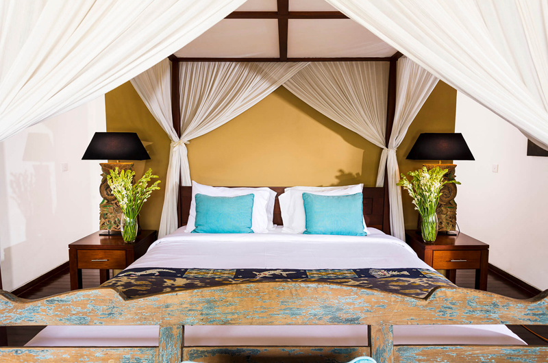Villa Hansa Four Poster Bed with Table Lamps | Canggu, Bali