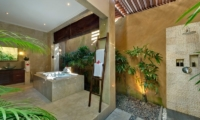 Villa Kalimaya Outdooor Bathtub | Seminyak, Bali
