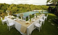 Villa Moonlight Outdoor Dining Area | Uluwatu, Bali