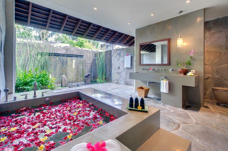 Villa Samadhana Bathroom I Sanur, Bali