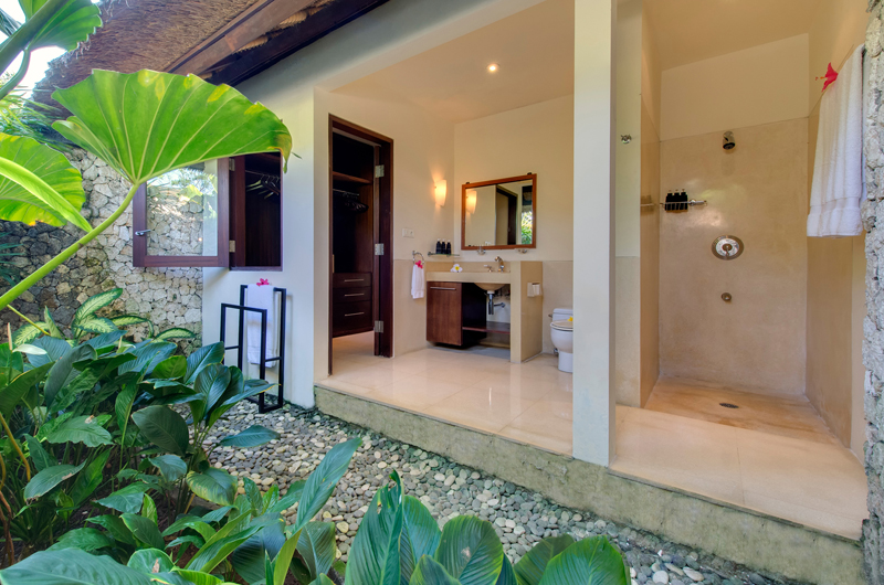 Villa Samadhana Semi Open Bathroom | Sanur, Bali