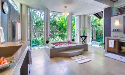 Villa Samadhana Romantic Bathroom Set Up | Sanur, Bali