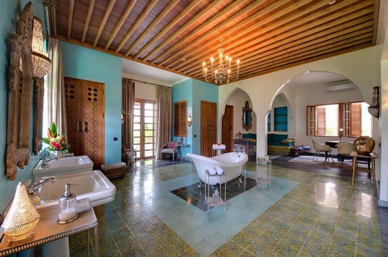 Villa Sayang d'Amour Master Bathroom | Petitenget, Bali