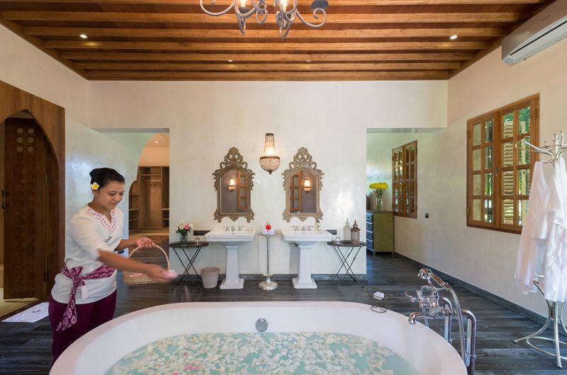 Villa Sayang d'Amour Romantic Bathtub Set Up | Seminyak, Bali