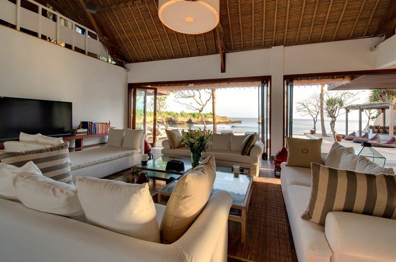 Villa Voyage Living Area | Nusa Lembongan, Bali