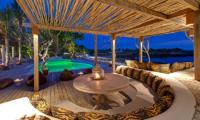 Villa Voyage Outdoor Lounge | Nusa Lembongan, Bali