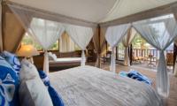 Villa Voyage Master Bedroom | Nusa Lembongan, Bali