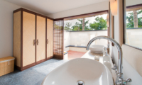 Villa Voyage Bathroom | Nusa Lembongan, Bali