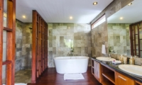 Marys Beach Villa Bathtub | Canggu, Bali