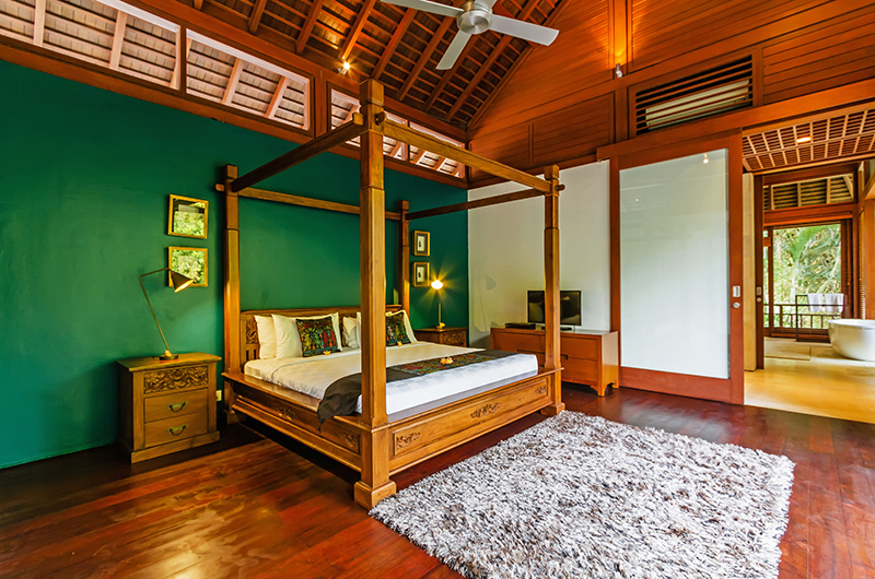 Villa Champuhan Bedroom with Four Poster Bed | Seseh, Bali