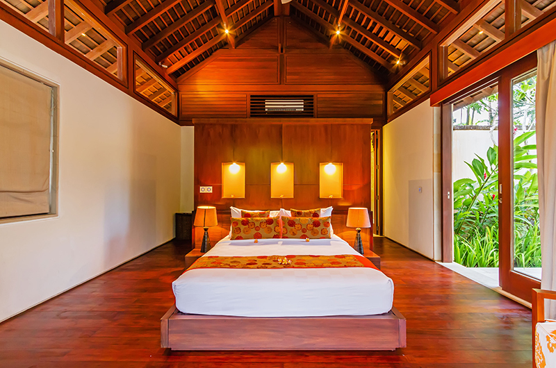 Villa Champuhan Bedroom with Wooden Deck | Seseh, Bali