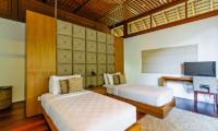 Villa Champuhan Spacious Twin Bedroom | Seseh, Bali