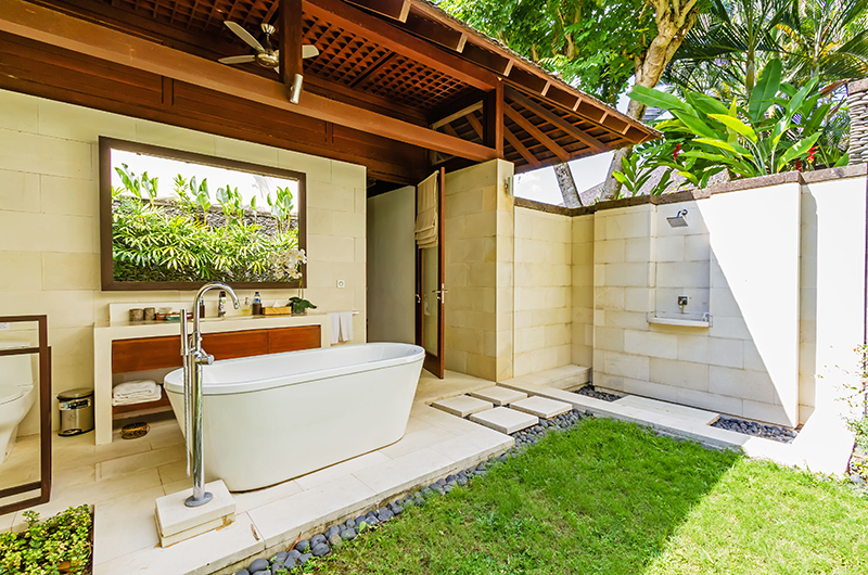 Villa Champuhan Bathroom with Shower | Seseh, Bali