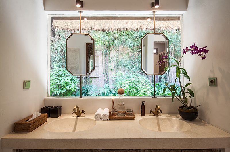 Villa Inti Master Bedroom Bathroom | Canggu, Bali