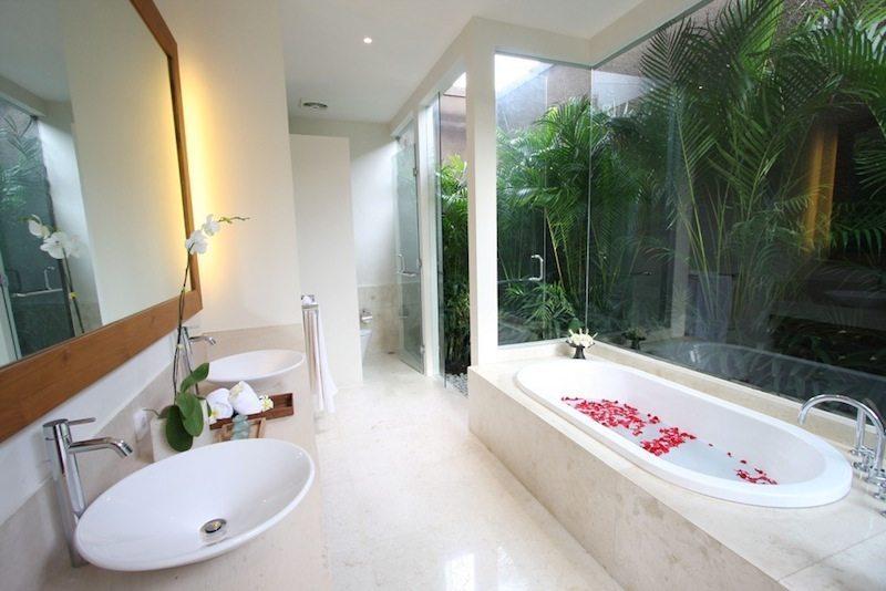 Villa Kipi Bathroom I Seminyak, Bali