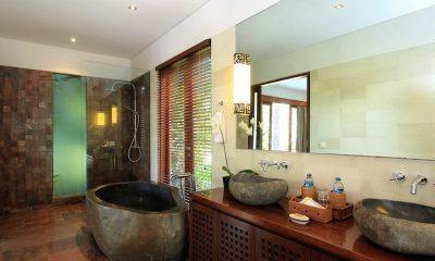 Villa Uma Nina En-suite Bathroom   Jimbaran, Bali