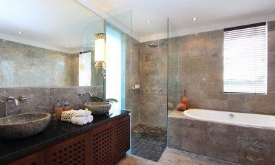 Villa Uma Nina Bathroom   Jimbaran, Bali