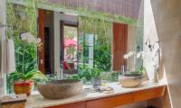 Casa Brio Washbasin | Seminyak, Bali