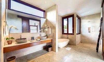 Casa Brio Bathroom Area | Seminyak, Bali