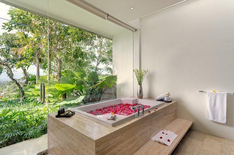 Villa Aiko Flower Bath I Jimbaran, Bali
