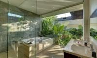 Villa Aiko Master Bathroom | Jimbaran, Bali