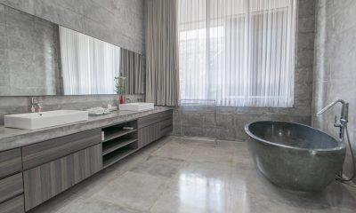 Villa Simpatico Bathroom | Seminyak, Bali