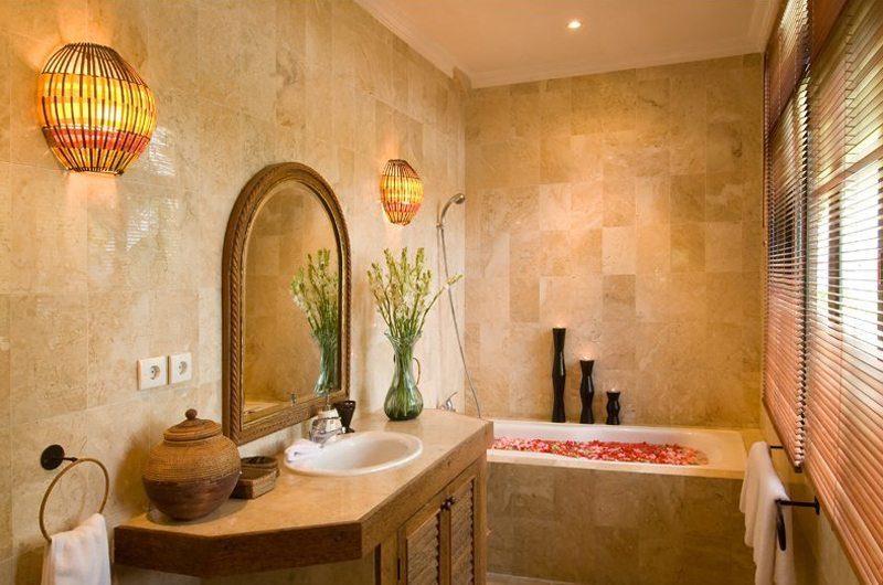 Anyar Estate   Villa Anyar En-suite Bathroom   Umalas, Bali