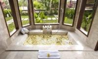 Kamandalu Resort Bathroom I Ubud, Bali
